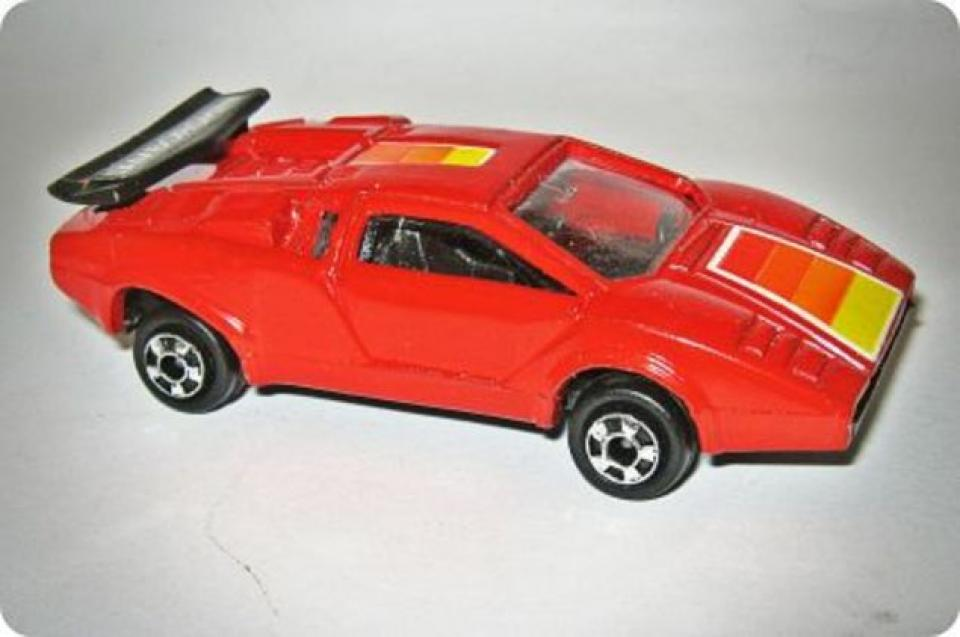 Running of the Bulls: Zylmex Lamborghini Countach