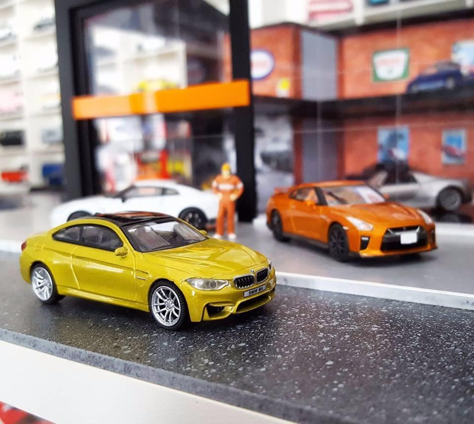 BMW M4 vs Nissan GT-R