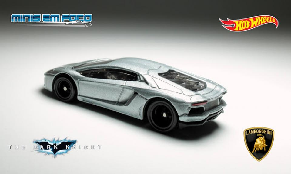 Batman: Lamborghini Aventador Coupe