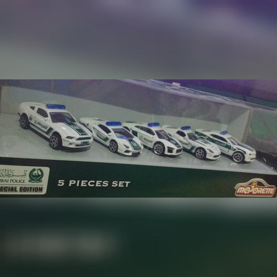 Coleção 'Dubai Police Super Cars'