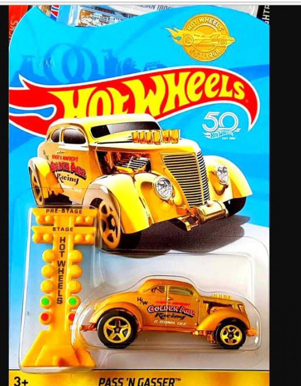 Hot Wheels Promocional Golden Car