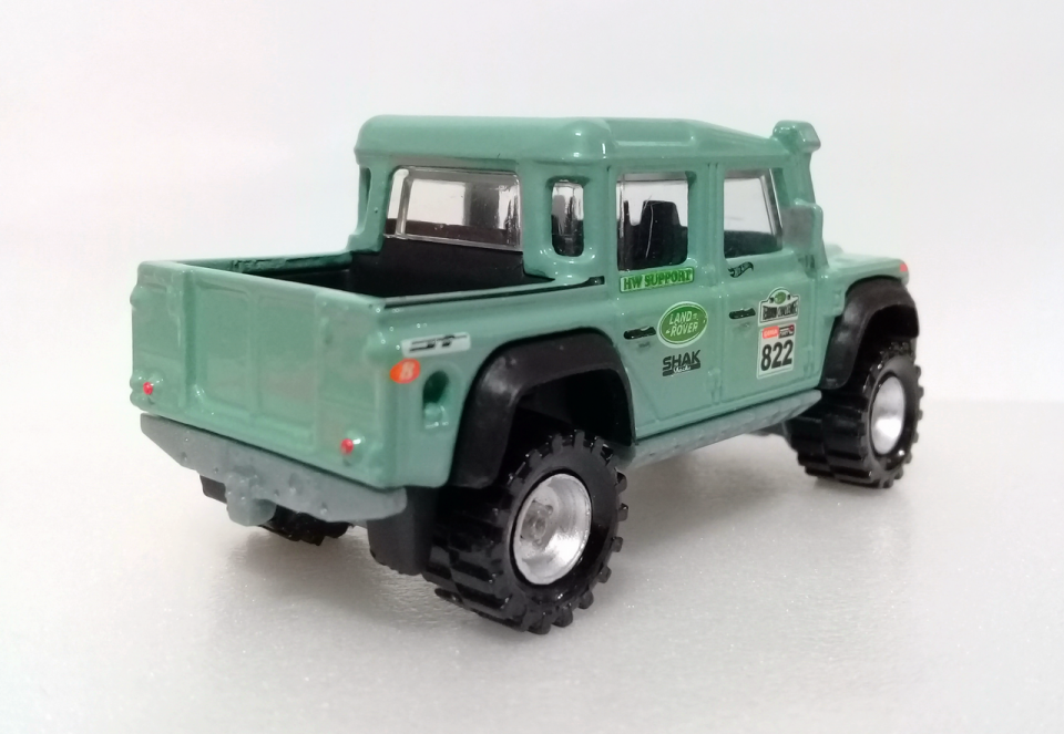 15 Land Rover Defender Double Cab / Custom (2018) / Hot Wheels