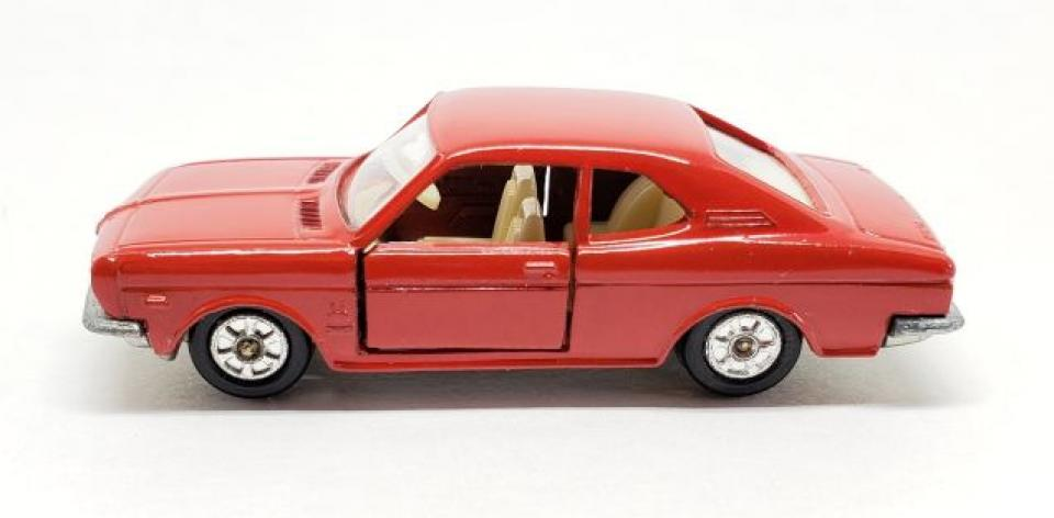 [REVIEW] Tomica Honda 1300 Coupe 9