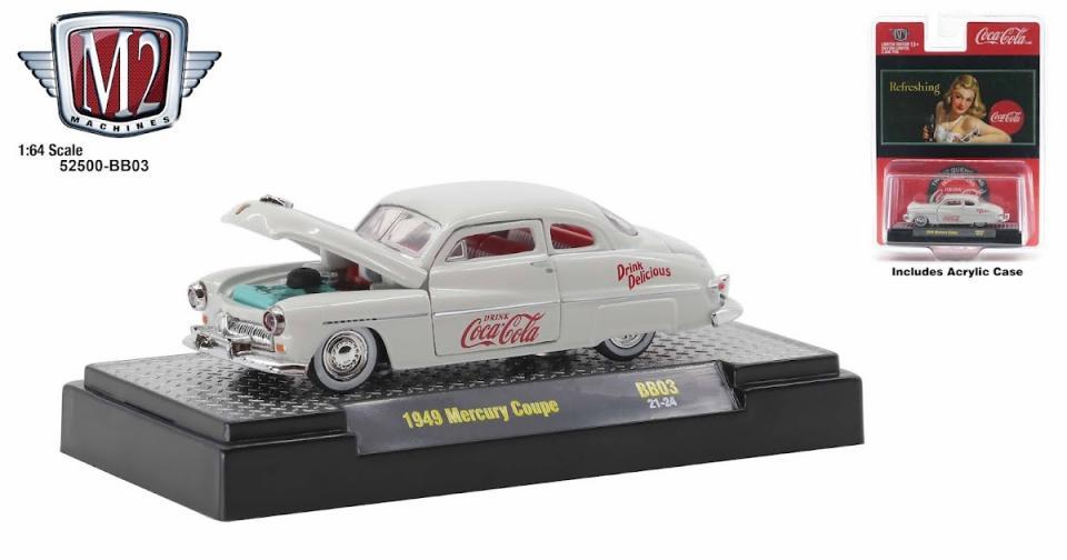 Carros clássicos da M2 e Coca-Cola
