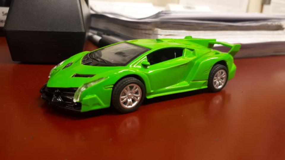 Dots: Veneno with Prius wheels