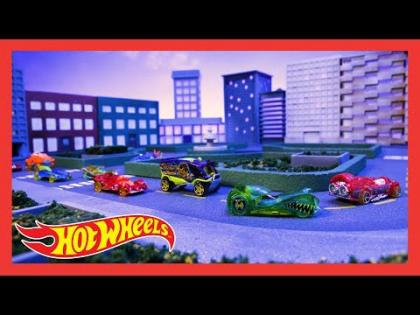 "HW X-RACERS® in ""Never Enough Squares"" 