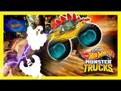 TUNNEL OF TERROR: EPIC MONSTER TRUCKS RACE! | Monster Trucks | @Hot Wheels