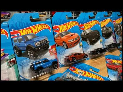 Lamley Live: Opening the Hot Wheels New Ford Bronco & 2021 D Case Stuff