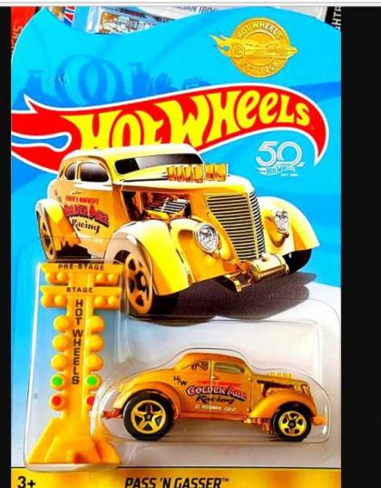 Hot Wheels Promocional Golden Car