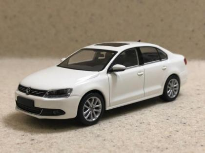 Minichamps 1/43 Volkswagen Jetta Sport 1.4 TSI