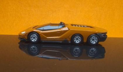 Custom Hot Wheels Lamborghini Centenario Road6ter