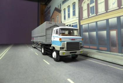 Hot Sixty 4th: Truckin' Thursday with Tomica Trailer