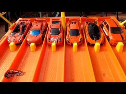 Hot Wheels CARRERA EXPRESS COLOR NARANJA