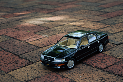 1990 Lexus LS400 by Road Tough