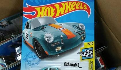 """A versão """"normal"""" e a Super T-Hunt do Porsche 356"""