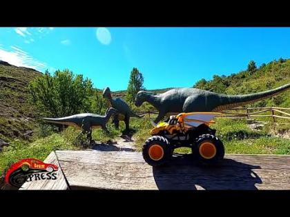 Monster Jam Dragon Retos con Dinosaurios Gigantes Spinmaster