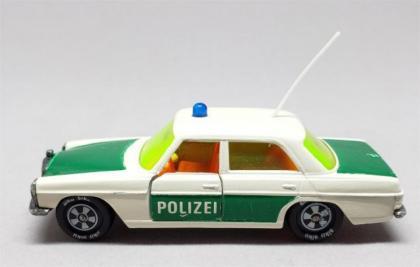 [REVIEW] Siku Mercedes-Benz 250 Polizei